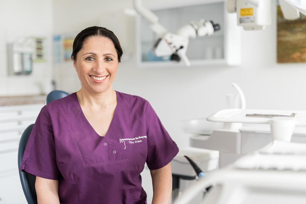 Zahnärztin Velbert - Dr. Freytag - Team - Tülay